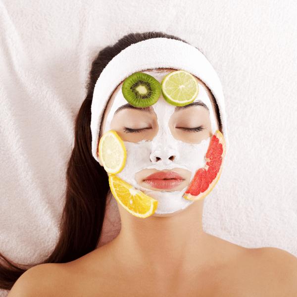 Đắp mặt nạ giúp cải thiện da và nám cũng vậy
